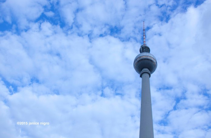 alexanderplatz 1582 copyright