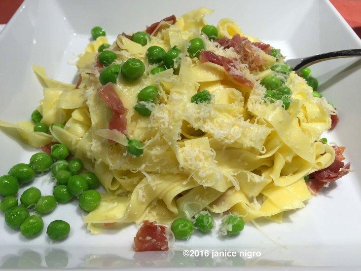 peas and pasta 3744