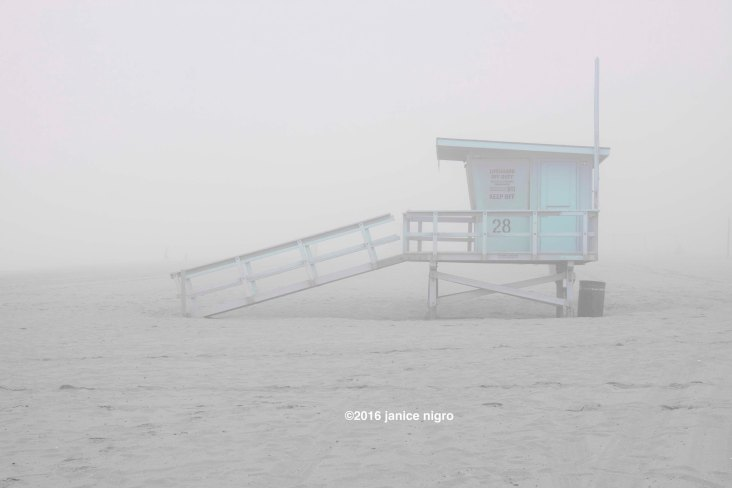 life guard hut 8498 copyright