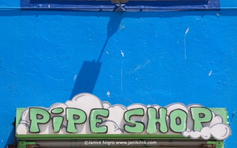 pipe shop sign 0982 copyright