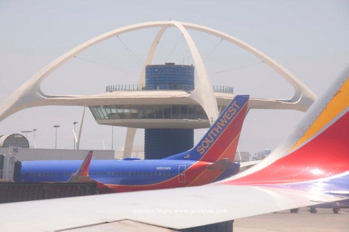 airport 3993 copyright