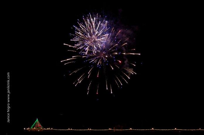 fireworks 1109 copyright