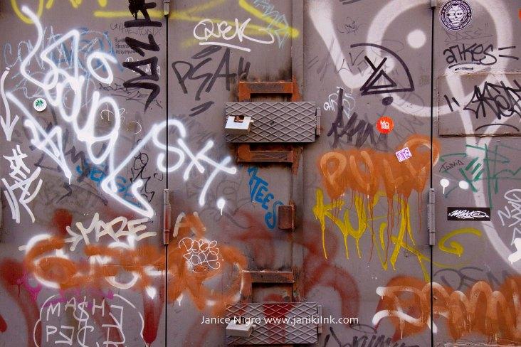 grafitti napoli 2478 copyright